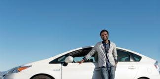 Uber Fahrer eines Toyota Prius