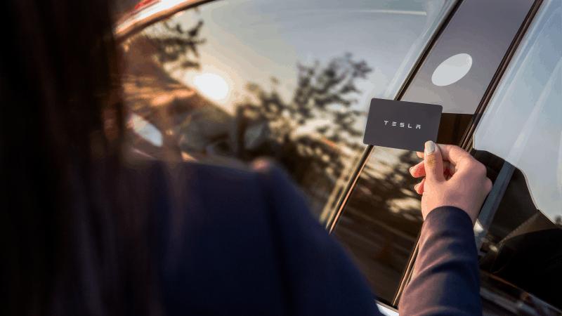 Quelle Tesla Model 3 - Keycard Door Entry