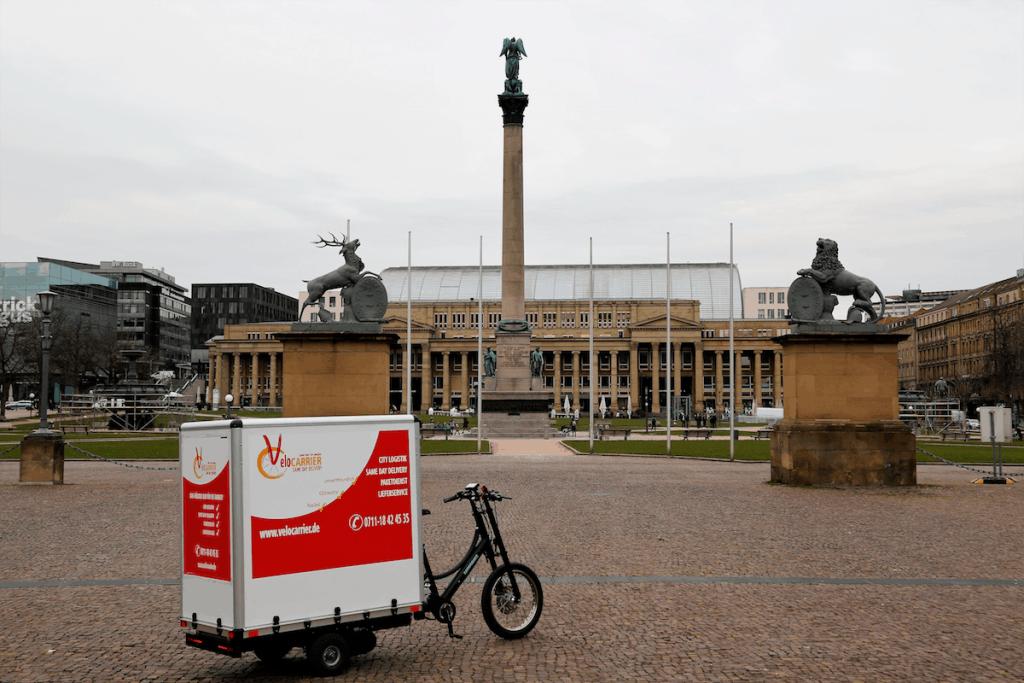 Eins der Bikes auf dem Schlossplatz in Stuttgart