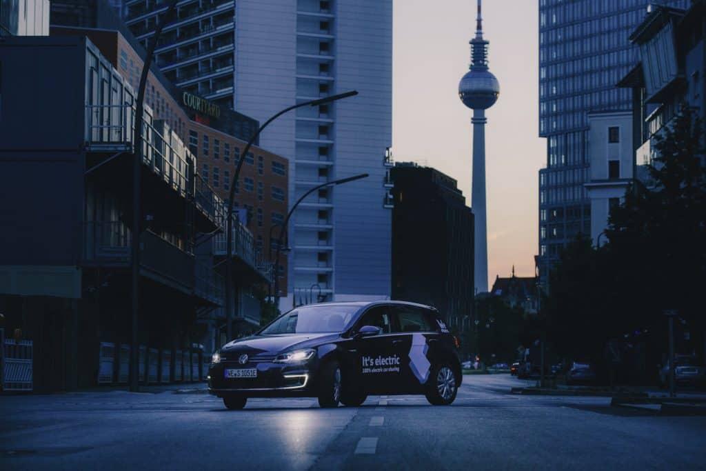 VW startet rein-elektrische Carsharing Lösung WeShare in Berlin