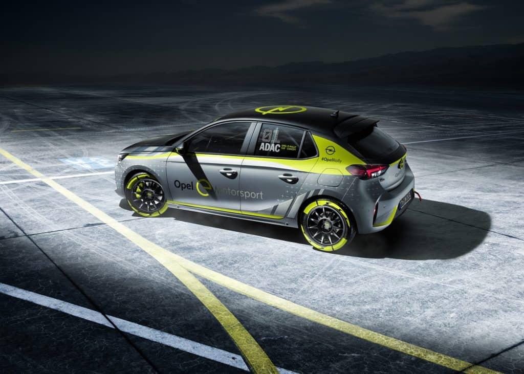 Opel e-Rally Cup mit Corsa-e Fahrzeugen feiert auf der IAA Premiere