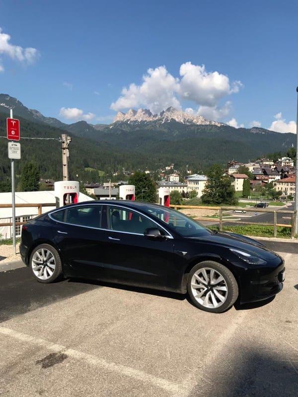 Tesla Model 3: das Mittelklasse-Modell in der Tesla Elektroauto-Reihe