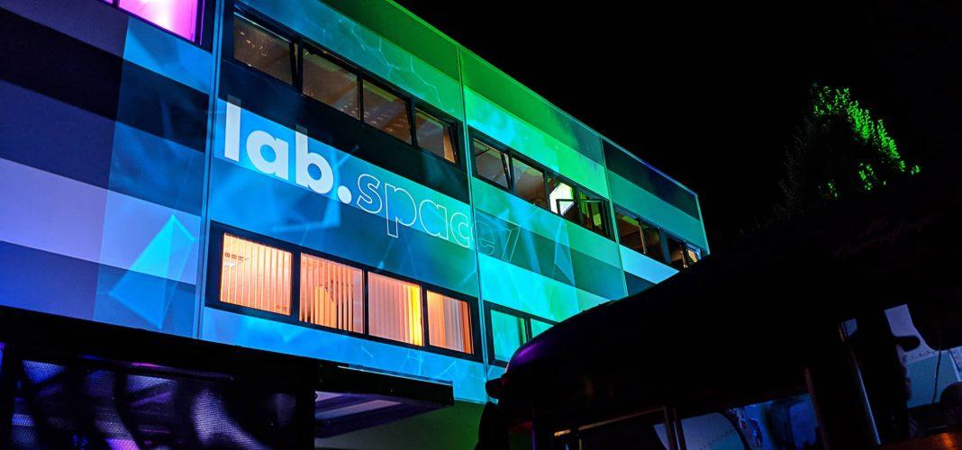 Bildrechte: Andreas Schmid Lab GmbH - die Eröffnung des Startup Labs in Augsburg
