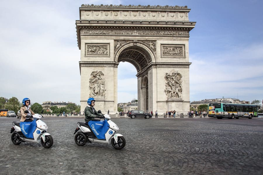Uber integriert CityScoot Elektroroller in seine App in Paris
