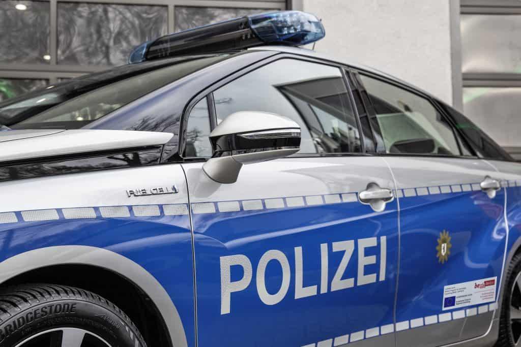 Toyota Mirai Wasserstoff Auto im Einsatz bei der Polizei Berlin