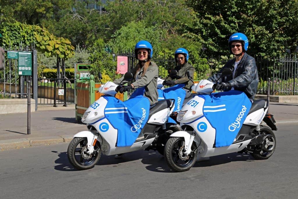 E-Moped Sharing News: Cityscoot und TIER sammeln Geld und Roller ein