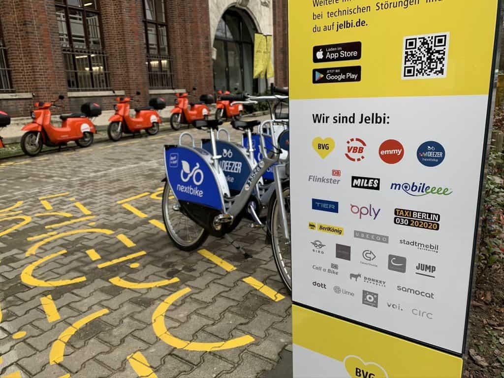 Jelbi errichtet den fünften Hub vor dem Ullsteinhaus in Berlin