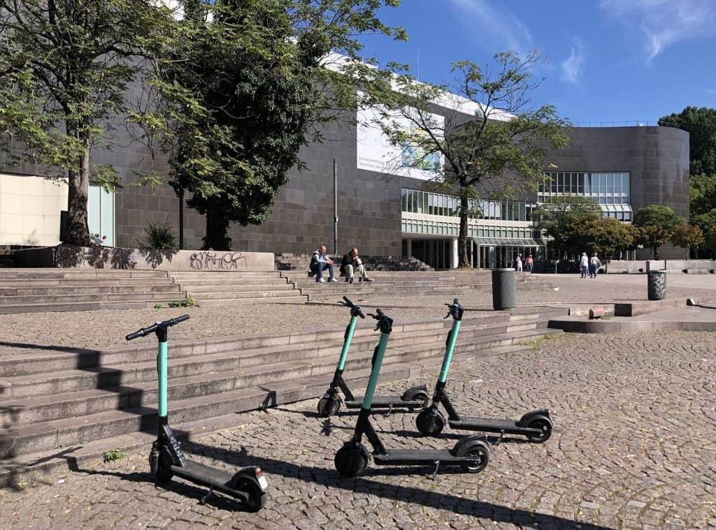 Mitfahrgelegenheits-App route D für Unternehmen in Düsseldorf gestartet