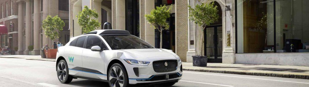 Bildrechte: Waymo - elektrische Jaguar i-PACE in der Stadt